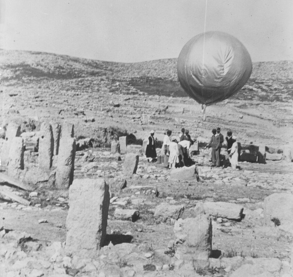 Using balloons for aerial photographs at Megiddo.